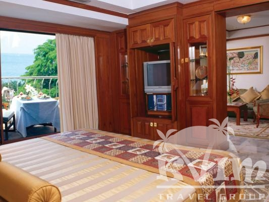 Royal Wing Suite Bedroom