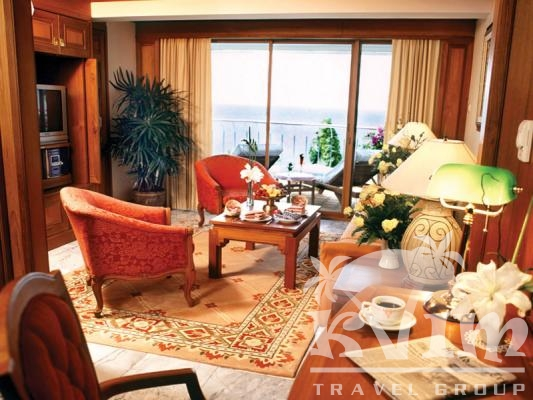 Royal Wing Suite living room