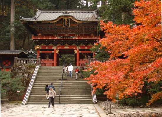 http://www.holidaym.ru/article/PHOTOS/Japan/nikko-park/nikko_japan2.jpg